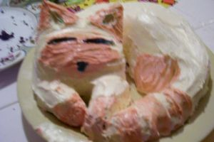 Kanna the Kitty Cake by Headgotfleas