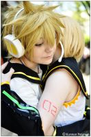 Vocaloid: Twins Embrace by CosplayerWithCamera