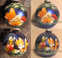 Christmas ornament with Tails by Kivuli