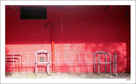 Red wall by seeknow