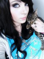me and my purdy cat meow by AmberMcrackin
