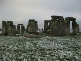 Snowy, cold Stonehenge 2 by edenchanges