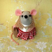 Traveling Mouse Female by The-House-of-Mouse
