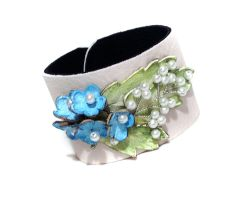 Floral Leather bracelet. Elegant leather cuff by julishland