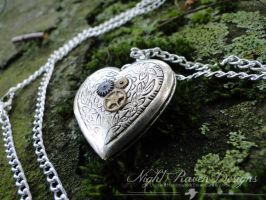 Custom Order -1- Heart Locket by TheClockworkCrow
