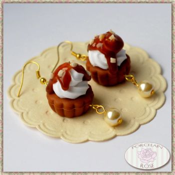 SWEET CUPCAKE EARRINGS by theporcelainrose