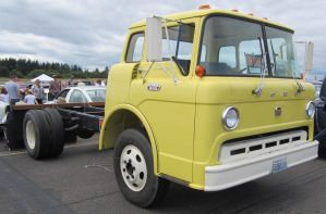 65 Ford C600 by zypherion