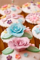 cup cake rose II by greende