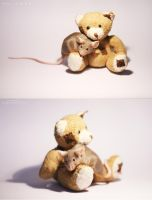 mouse with a teddybear o: by feanutri