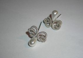 Classical earrings like a butterflies by Tegero