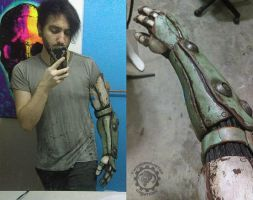 Robot arm test fitting by TwoHornsUnited