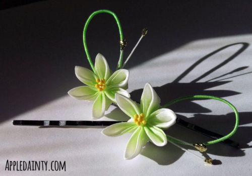 Lily Kanzashi Hairpins by AppleDainty