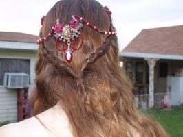 Red and gold hair ornament by EruwaedhielElleth