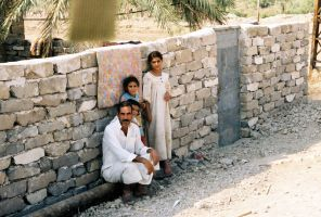 AN Iraqi family by SteelClaw