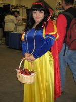Snow White by CoFFeH