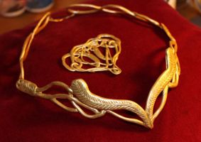 Elrond's headpiece and brooch by Ta-moe