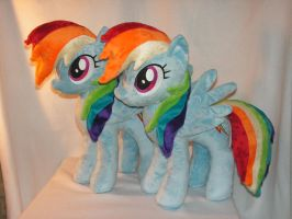 Commission: Two Rainbow Dash Plush by KarasuNezumi
