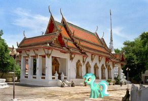 Lyra at Wat Suwannaram by laopokia