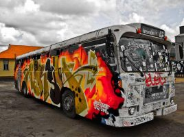 Graffiti bus by Ariel1707