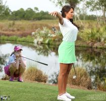 Giantess Holly Sonders golfing by lowerrider