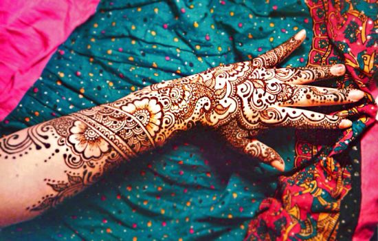 Hi, it`s me and my henna by cydienne