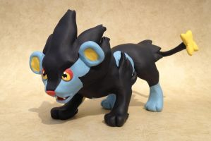 Luxray Sculpture by LeiliaK
