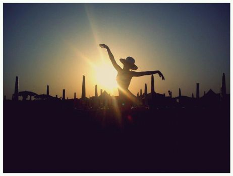 Summer silhouette by alixia88