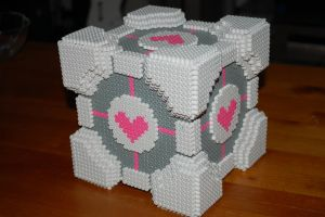 Beaded Companion Cube by TheBeadspriteKing