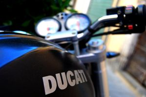 Ducati Monster by Ildordollano