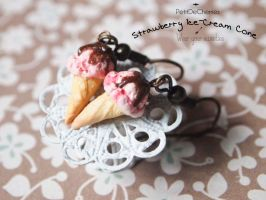 Strawberry Ice-Cream cone by PetitDeCherries