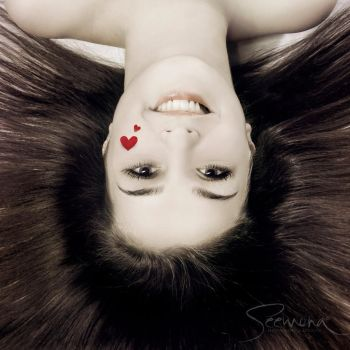 Upsidedown by siiminiique