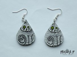 Mummy Cat Earrings by faktoria-f