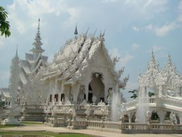 White Temple by uekisan