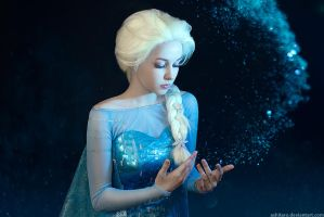 Frozen Cosplay - Elsa by KikoLondon
