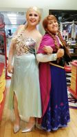 Anna and Elsa at Build A Bear Workshop by YoruichiNyow