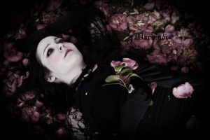 Ophelia II by Lady-Moriendi