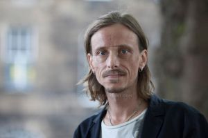 Mackenzie Crook by Coquin
