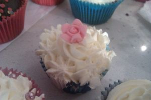 Buttercream cupcake 3 by festystephie