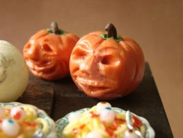 Disdainful Pumpkin by PetitPlat