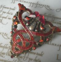 Belisma Celtic Fire brooch by Kiatali