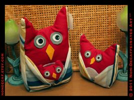 Red Owl Family by nondecaf
