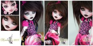MH Draculaura repaint ~Alice~ by RogueLively
