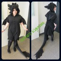 Toothless Kigurumi cosplay :3 by Aabenhuus