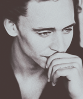 Thomas_Hiddleston by AlessandraTheBest