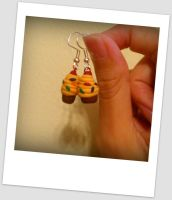 Yellow cupcake earrings by Kimmyo801