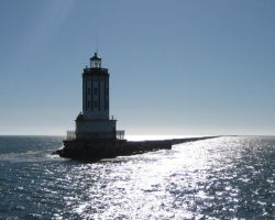 san pedro light house by theFATpirate