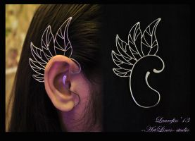 Wing - earcuff by Laurefin-Estelinion