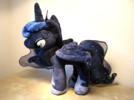 My Little Pony - Princess Luna by Erdbeerprinz