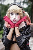 Bombshell Harley Quinn Cosplay AWA Con 2014 (3) by derpmyBASS