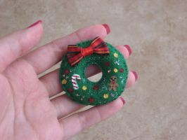 Christmas Wreath Felt Brooch by kneazlegurl125